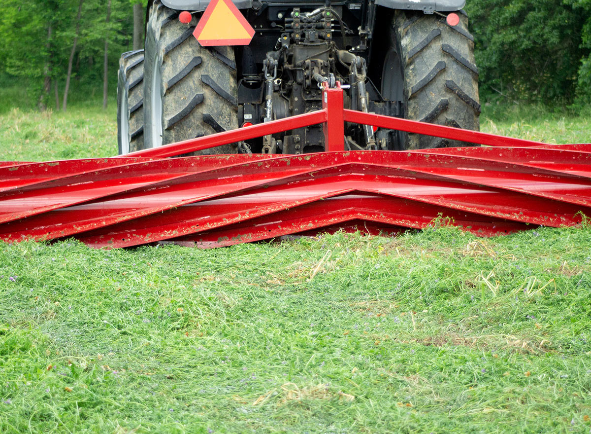 Rolling Cover Crops With Crop Roller - Advance Cover Crops